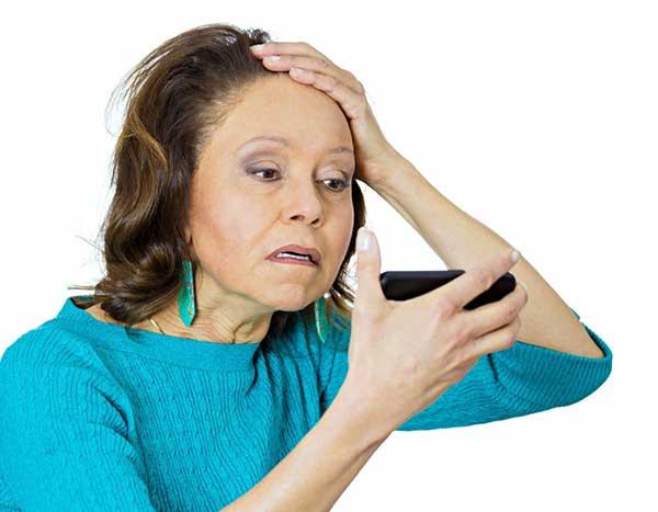 В период менопаузы выпадают волосы